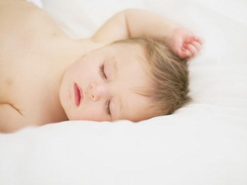Dormir bien a pesar del calor blog paula alonso - Orientacion cama dormir bien ...